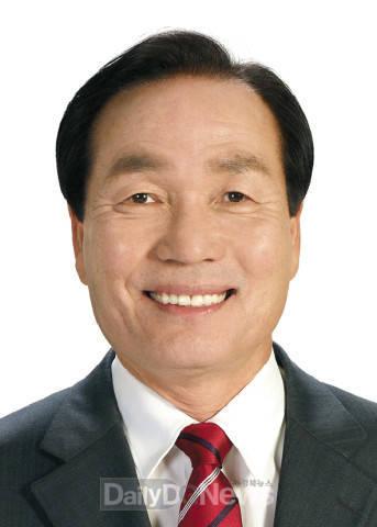 김주수 의성군수,노인복지관 구강건강교…